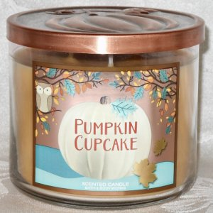 Bath and Body Works Pumpkin Cupcake Candle 14.5oz